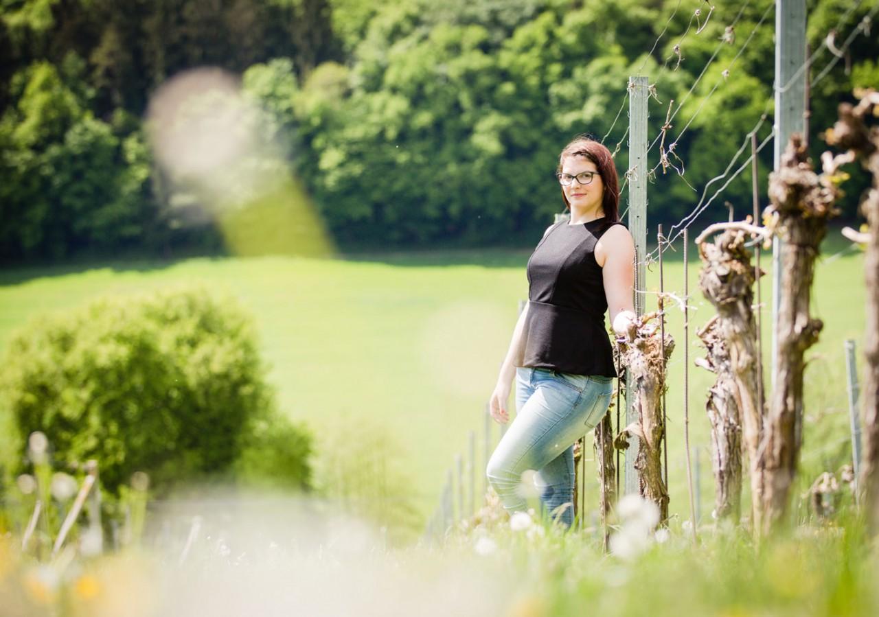 Weinhoheit Elisabeth Kol im Weingarten