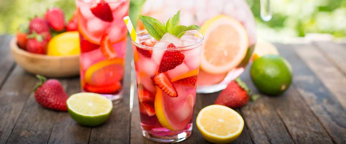 Wein-des-Monats---Erdbeerbowle